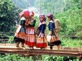 Girls in Saqa Area, Vietnam